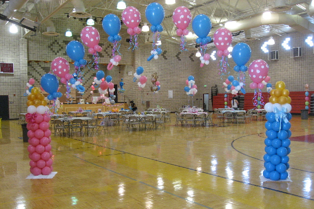 Balloon decor of central california home for Baby shower stork decoration