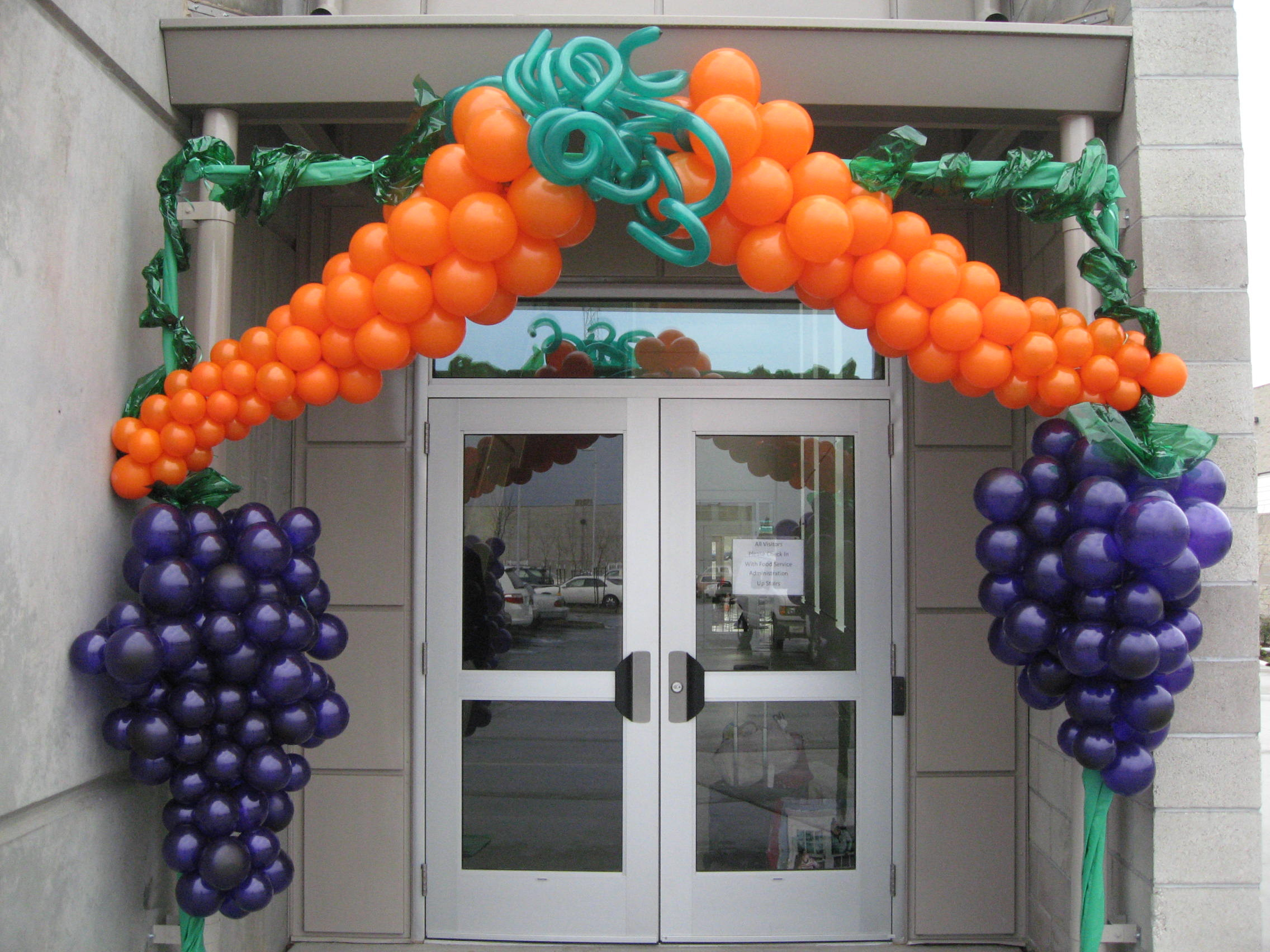 Balloon decor of central california home for Ballom decoration